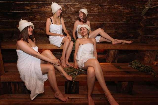 """ยุ่งแล้ว! ชาวรัสเซียแห่ไป """"โรงอาบน้ำสาธารณะ"""" หลังไม่มีน้ำร้อนอาบช่วงล็อกดาวน์"""