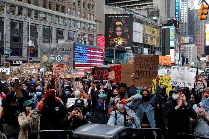 นิวยอร์กประกาศเคอร์ฟิว!ผวาม็อบรุนแรงต้านเหยียดผิว แถมแพร่กระจายเชื้อโควิด-19
