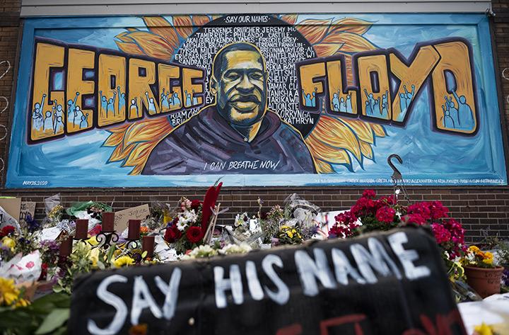 """การเหยียดสีผิวและอคติไม่เคยจางของอเมริกันชน จนถึงความตายของ """"จอร์จ ฟลอยด์"""""""
