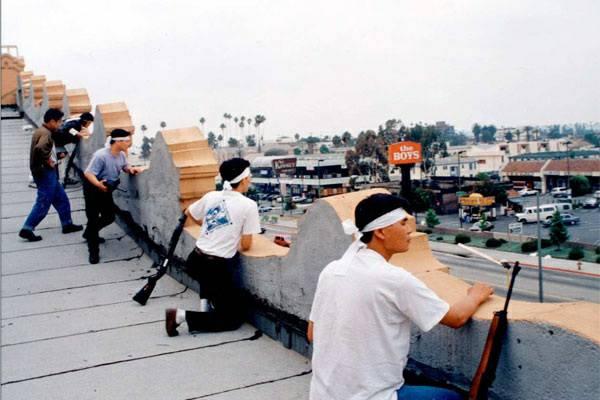 """""""รูฟ โคเรียนส์"""" เมื่อปี 1992  ภาพจาก: https://imgur.com/gallery/463ZD"""