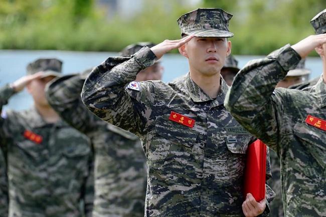 """ได้อะไรกว่าที่คิด """"ซอน"""" เปิดใจเล่าชีวิตตอนกลับไปฝึกทหาร"""