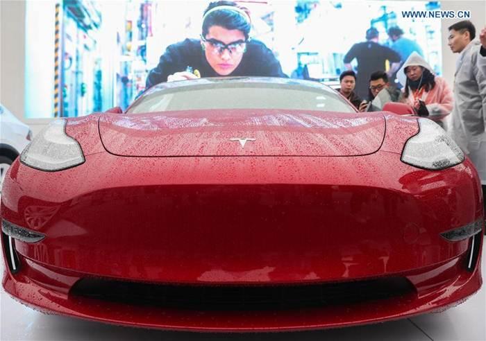 """บ.จีน ซับพลายเออร์แบตเตอรี่ของ """"เทสล่า"""" เผยแบตฯรถยนต์ไฟฟ้าอายุใช้งาน  16 ปี  ขับได้ 2 ล้าน กม."""