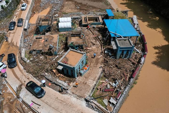 (ชมภาพ/คลิป) ฝนตกหนักในรอบ 60 ปี ชาวกุ้ยโจวกว่า 700,000 ชีวิตอ่วม