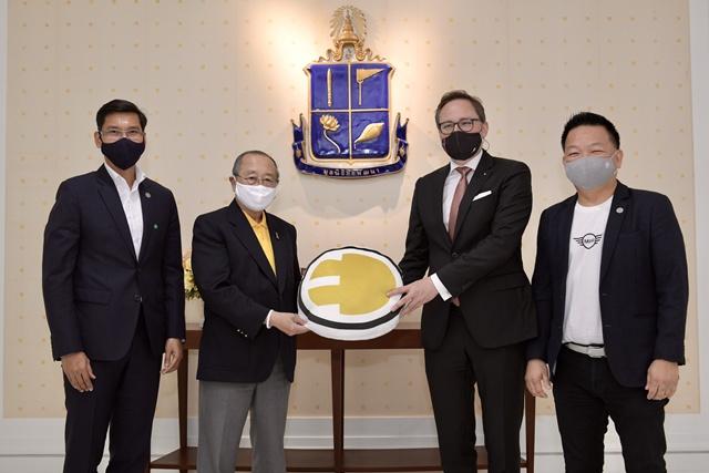 มินิ ประเทศไทย มอบรายได้จากการประมูลเลขลำดับการผลิตรถยนต์ ให้กองทุนชัยพัฒนาสู้ภัยโควิด-19