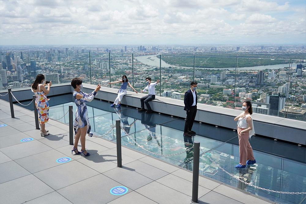 """""""มหานคร สกายวอล์ค รูฟท็อป-จุดชมวิวชั้นดาดฟ้าสูงที่สุดในไทย"""" เปิดบริการครั้งใหม่ในแบบ New Normal"""