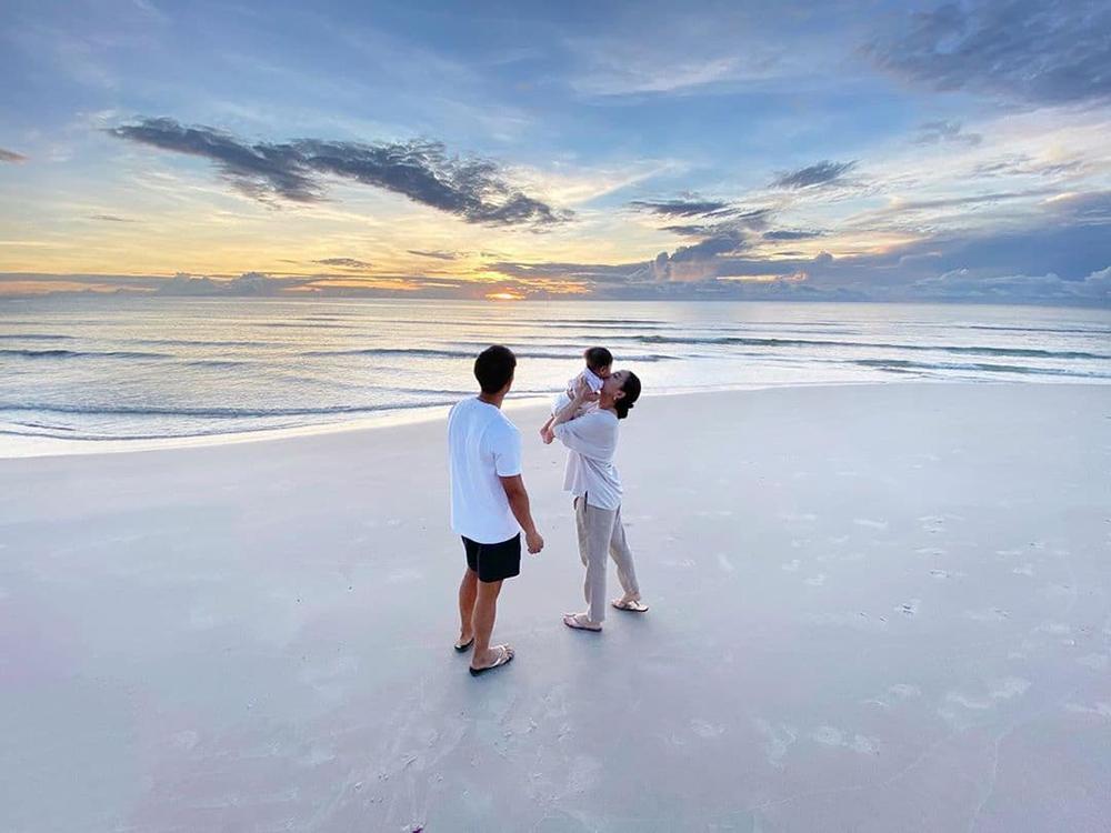 เจนี่และครอบครัวริมหาดหัวหิน (IG : janienineeleven)