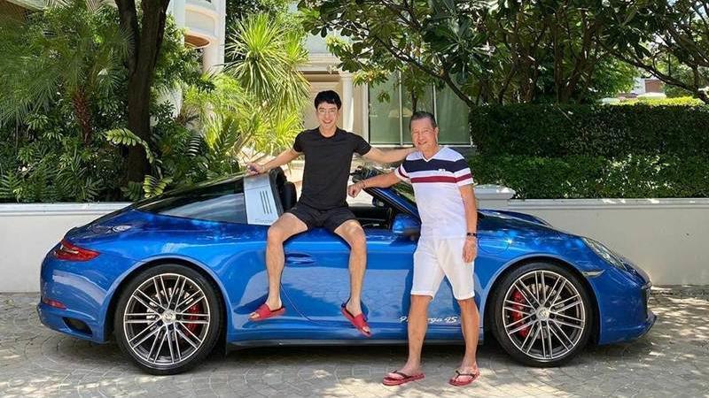"""ซูมรถคันละ 13 ล้านคันใหม่ที่ """"ท็อป ณัฐเศรษฐ์ พูนทรัพย์มณี"""" ซื้อให้เป็นของขวัญพ่อ"""