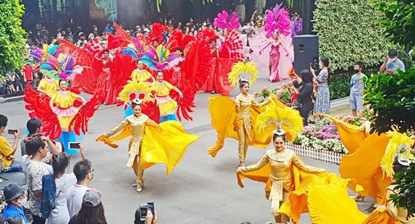 ตระการตา ! สวนนงนุชพัทยา จัดขบวนคานิวัลบราซิลรับนักท่องเที่ยวหนุนไทยเที่ยวไทย