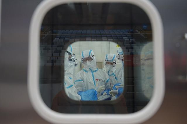 จีนเนรมิต ห้องแล็บ ดวงตาไฟ ตรวจจับไวรัสได้วันละ 10,000 ราย