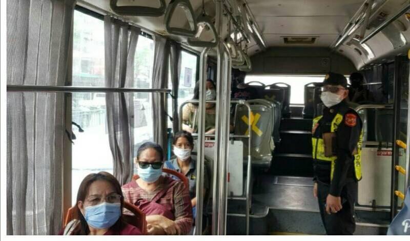 ขบ.เดินหน้า ตรวจเข้มรถโดยสารสาธารณะต้องมีมาตรการป้องกัน COVID