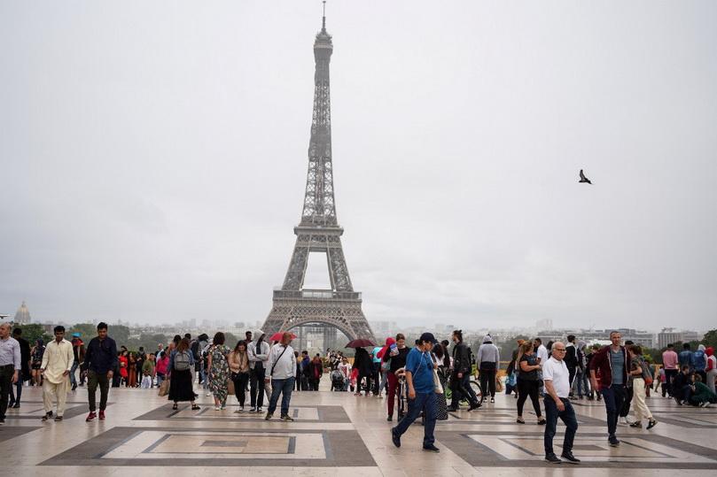 ฝรั่งเศสเปิด 'หอไอเฟล' รับนักท่องเที่ยววันนี้ หลังปิดยาว 3 เดือนหนีโควิด