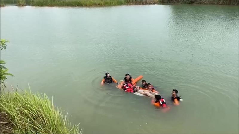 แม่ปริ่มขาดใจ!ลูกชายจบ ม.6เล่นน้ำสระท้ายหมู่บ้านจมดับ