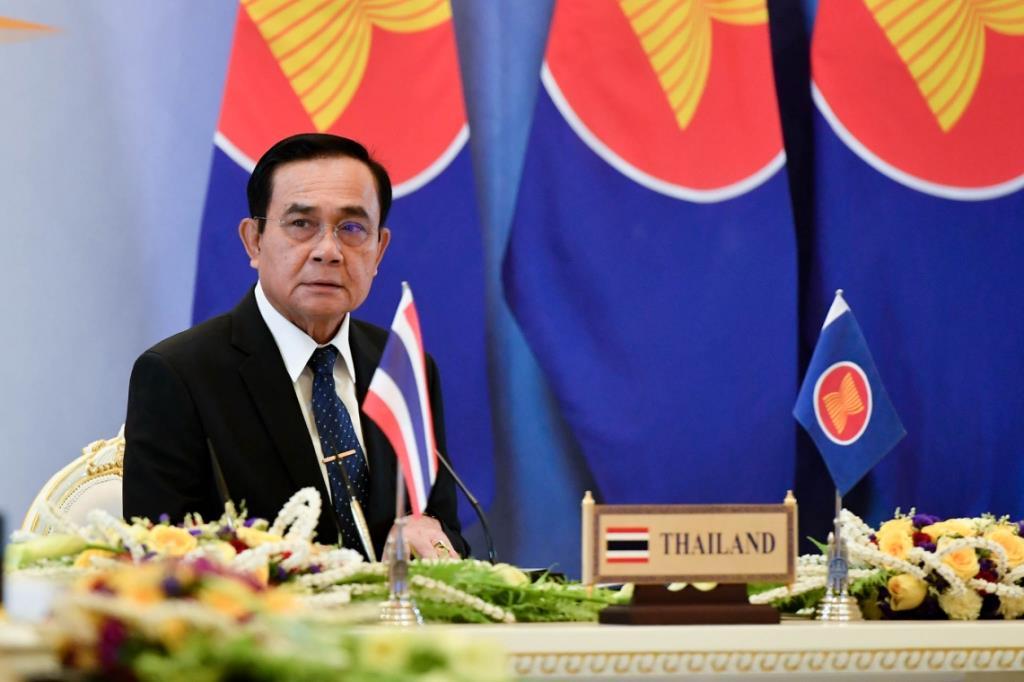 """""""ประยุทธ์"""" ร่วมประชุมสุดยอดอาเซียน แนะฟื้นฟูอาเซียนหลังโควิด-19 เสนอหลักเศรษฐกิจพอเพียง"""