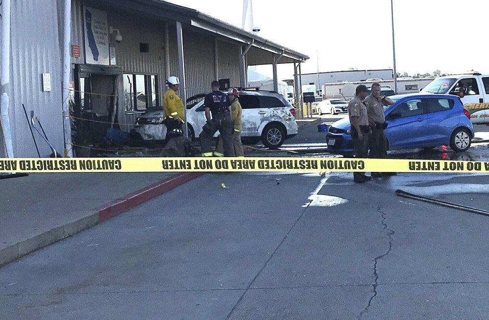 มือปืนบุกศูนย์กระจายสินค้าวอลมาร์ท กราดยิงตาย 1 เจ็บ 4 ก่อนจะถูกวิสามัญ