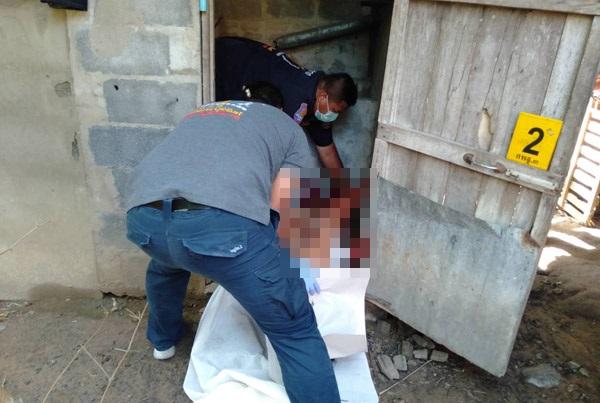 ฆ่าโหดหนุ่มใหญ่เพิ่งสึก! สาดพริกป่นมีดฟันแผลเหวอะทั้งตัว ขณะปลดทุกข์ในห้องน้ำเพื่อนบ้าน