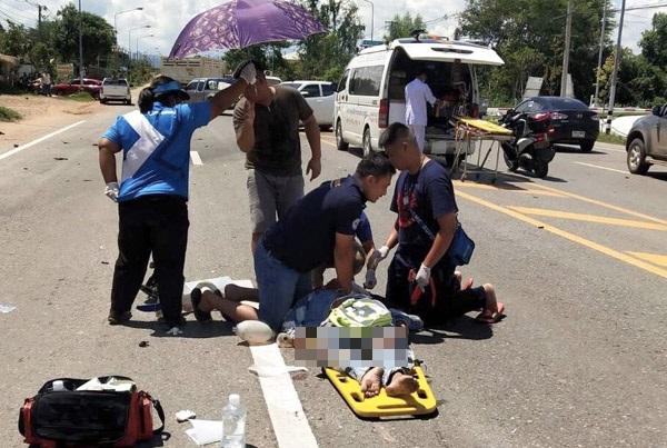 สาวควบกระบะป้ายแดงตกใจเจอด่าน รีบเลี้ยวรถกลับตัดหน้าบิ๊กไบค์ชนสนั่น ดับ 1 ศพ สาหัส 1