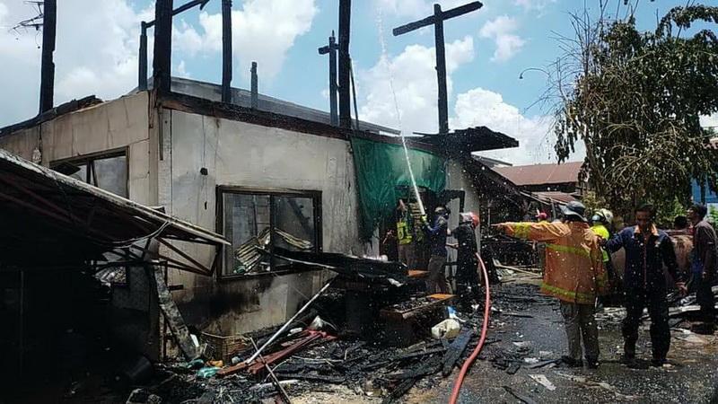สาวเมืองน้ำดำวัย 23 ปีเสพยานรกจนหลอนจุดไฟเผาบ้านวอด 2 หลัง