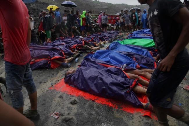 จนท.พม่ากู้ร่างเหยื่อดินถล่มเหมืองหยกได้กว่า 160 ศพ คาดยังจมอยู่ใต้โคลนอีกเพียบ