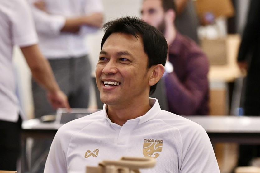 """""""โค้ชแบน"""" เชื่อระดมความคิดโค้ชโปรไลเซนส์สุดเจ๋ง พัฒนาแข้งไทยได้แน่"""