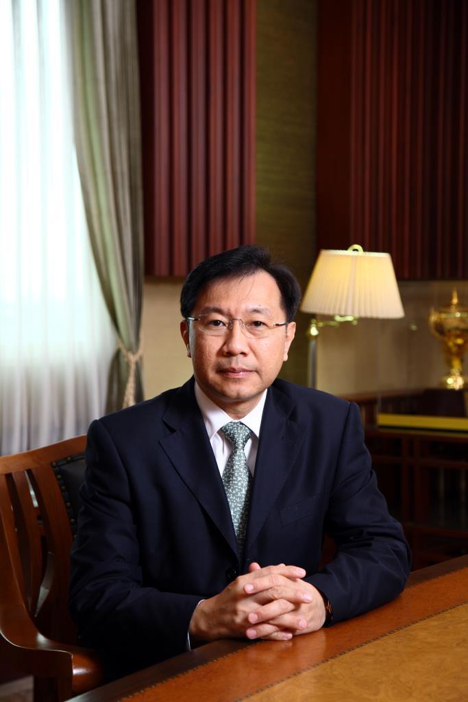 นายมนตรี โสคติยานุรักษ์ ผู้อำนวยการหลักสูตรวิทยาการการจัดการสำหรับนักบริหารระดับสูง (วบส.) สถาบันบัณฑิตพัฒนบริหารศาสตร์ (นิด้า)