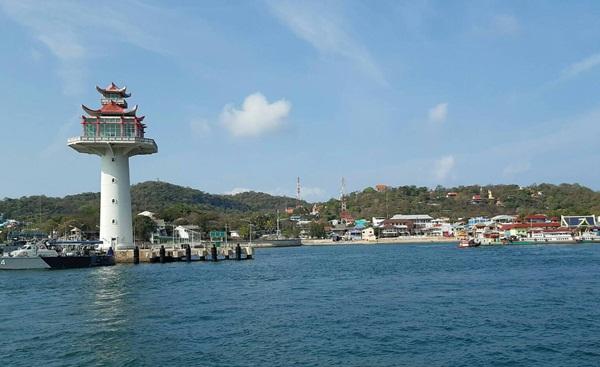 ท่องเที่ยวเกาะลอย-เกาะสีชังคึกคักไม่แพ้ที่อื่นใน จ.ชลบุรี คาดเงินสะพัดหลายสิบล้านบาท