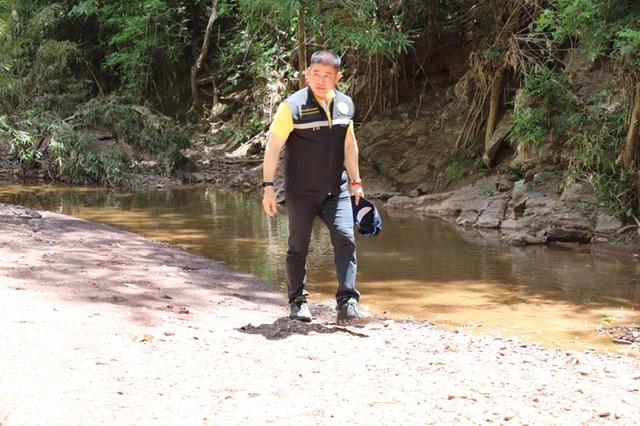 """""""ธรรมนัส"""" ลุยตรวจพื้นที่สร้างอ่างเก็บน้ำแก้ปัญหาขาดแคลนน้ำ จ.พะเยา"""