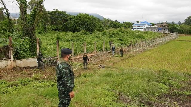 เห็นเต็มตา!กองทัพมดรับแรงงานพม่าข้ามน้ำ-ซ้อน จยย.ลอบเข้าไทยแลกหัวละ 5,000 ไม่สนโควิดระบาด