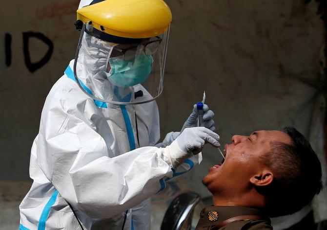 อินโดฯวุ่น!โควิดระบาดในศูนย์ฝึกทหาร ทำยอดติดเชื้อรายวันพุ่ง2,600คน ทุบสถิติสูงสุด