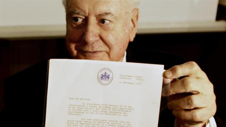 """In Clip: ออสเตรเลียเปิดเผยจดหมายโต้ตอบอื้อฉาวครั้งประวัติศาสตร์ """"ควีนเอลิซาเบธ"""" เกี่ยวข้องกับอดีตนายกฯ กอฟ วิธแลม ถูกสั่งปลดปี 1975"""