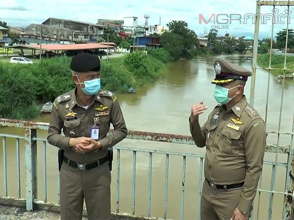 """ผบก.ตม.6 ลงพื้นที่นราธิวาสย้ำคุมเข้มตามชายแดนไทย-มาเลย์ """"อย่าการ์ดตก"""""""