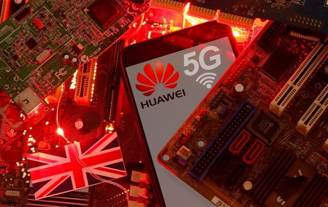 """อังกฤษยอมศิโรราบสหรัฐฯ กลับลำถอด """"หัวเว่ย"""" พ้นจากโครงข่าย 5G"""