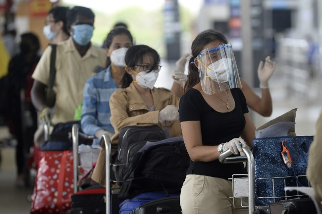 พม่าประสาน 13 เที่ยวบินพาพลเมืองติดค้างต่างแดนกว่า 1,800 คนกลับประเทศ
