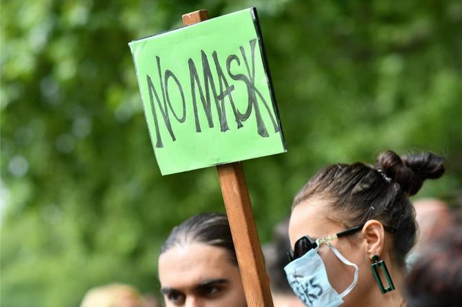 หวงแหนเสรีภาพ! คนหลายร้อยชุมนุมในอังกฤษ ต้านบังคับสวมหน้ากากป้องกันโควิด-19
