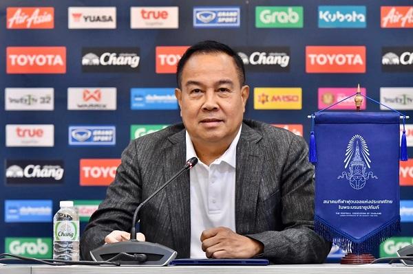 """""""บิ๊กอ๊อด"""" ยัน ไม่ทอดทิ้งทีมไทยลีก 3 ประสานทุกภาคส่วนช่วยเหลือเต็มที่"""