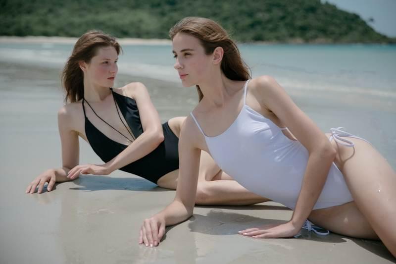 """วิธีง่ายๆ ดูแลชุดว่ายน้ำสไตล์ดีไซเนอร์สาว """"แองจี้ - แอนเจลิส บาเลก"""""""