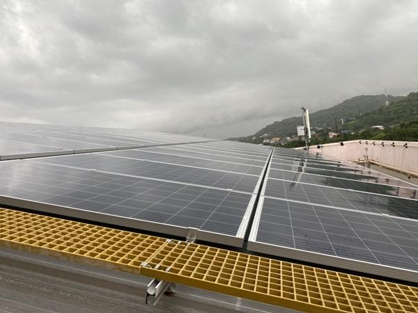 กลุ่มไทยออยล์ ร่วมกับ GPSC ส่งมอบระบบไฟฟ้าพลังงานแสงอาทิตย์ ให้กับ รพ.เกาะสีชัง