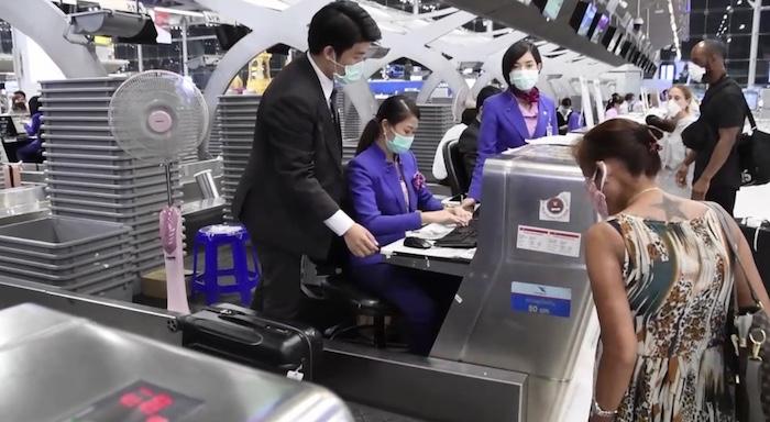 """การบินไทยและไทยสมายล์ จัดเที่ยวบินพิเศษ """"นำคนไทยกลับบ้าน"""" พร้อมคุมเข้มด้านสุขอนามัย"""