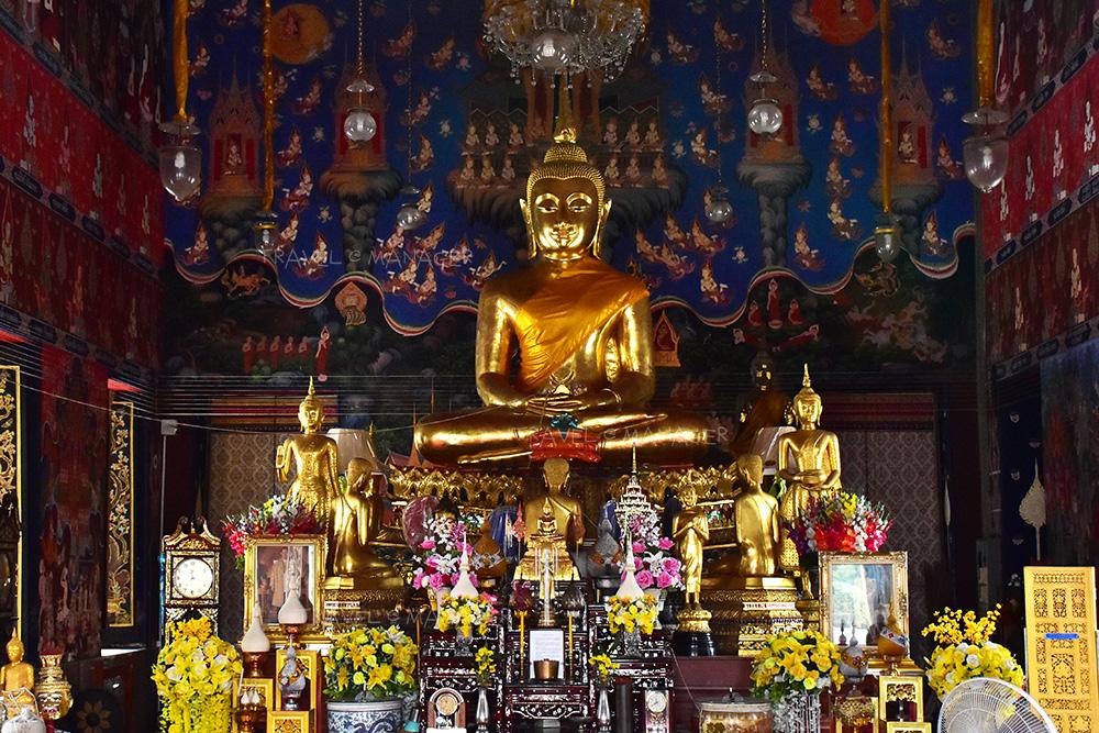 พระพุทธเทวนฤมิตพิชิตมาร ประดิษฐานภายในอุโบสถ