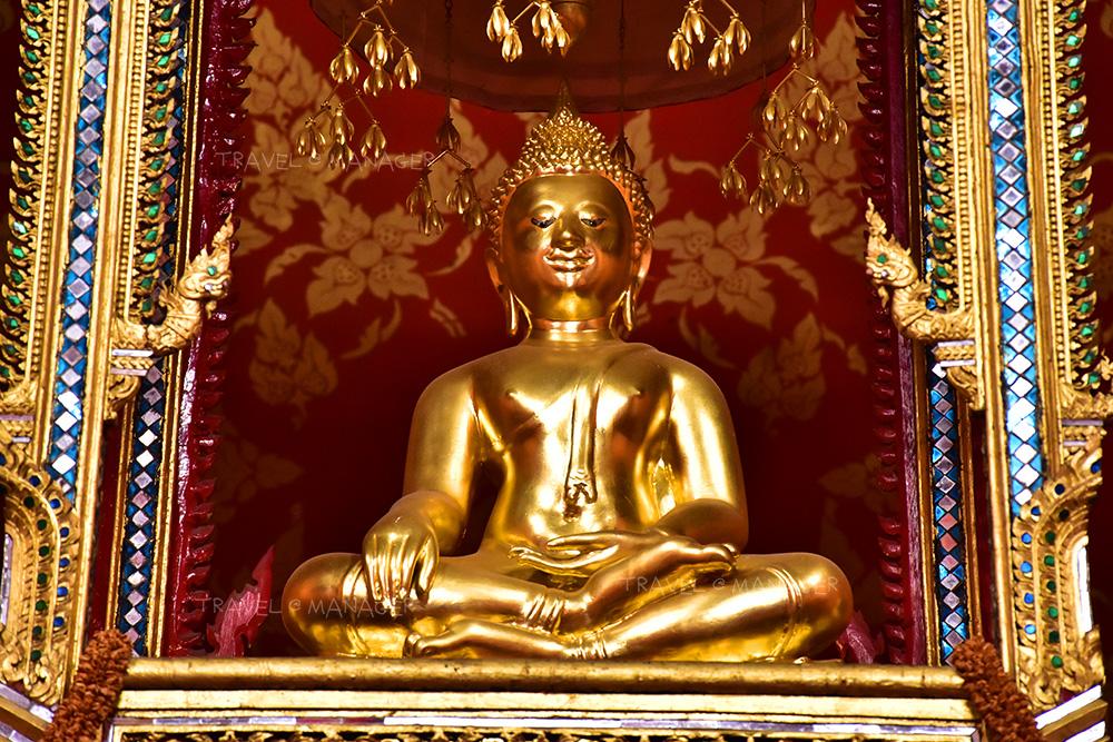 หลวงพ่อแซกคำ พระพุทธรูปทองคำศิลปะล้านนา
