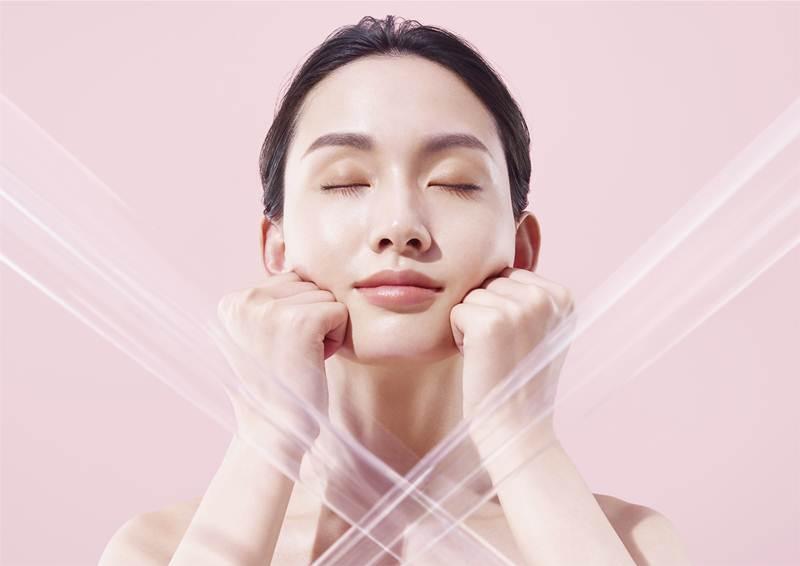 นวดหน้าให้ผิวโกล์ว ด้วย Suqqu Designing Massage Cream