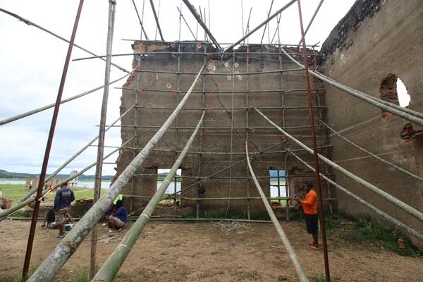 เตรียมฟื้น กำแพงโบสถ์กลางน้ำ เป็นแหล่งท่องเที่ยวคู่เมืองสังขละบุรี