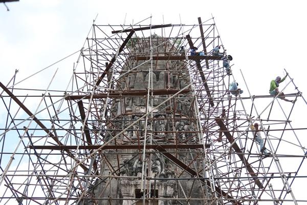กรมศิลป์บูรณะพระปรางค์และโบสถ์เก่า เมืองราชบุรี อายุหลายร้อยปี