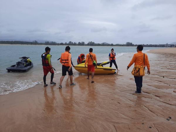 โจ๋วัย 18 ปี กระโดดสะพานท้าวเทพฯดิ่งลงทะเล ระดมกำลังค้นหา แต่ยังไร้วี่แวว