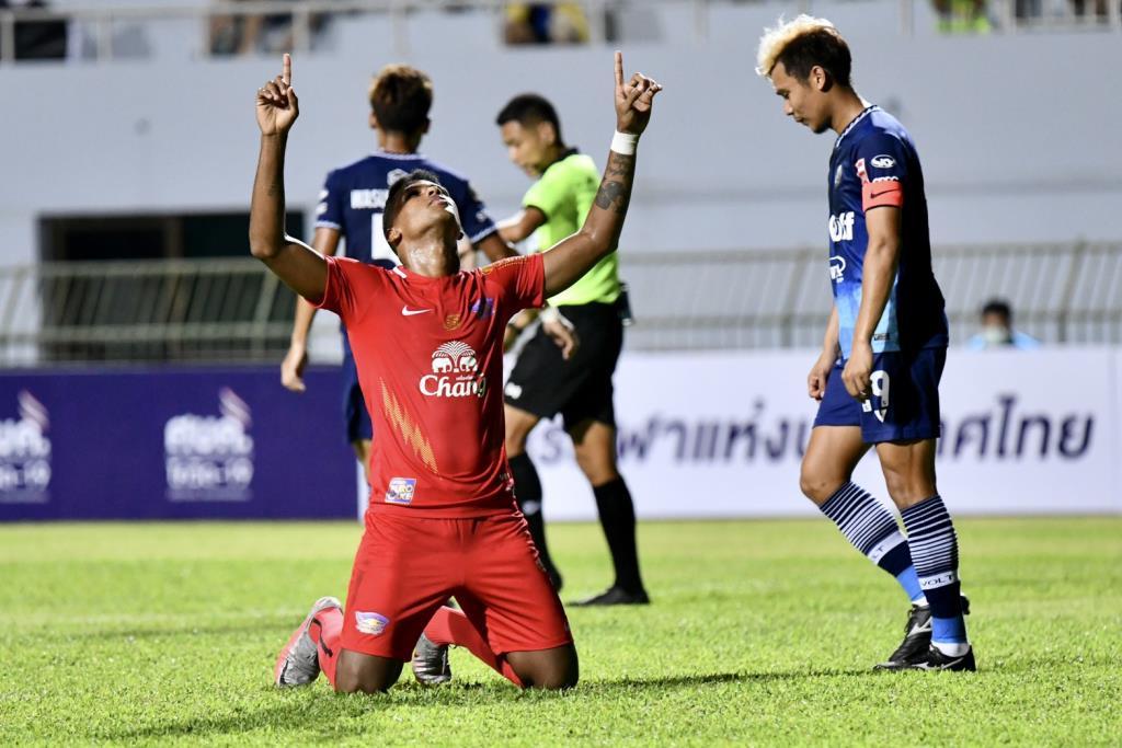 ชลบุรี บุกชนะ ระยอง 3-1 ศึกฟุตบอลนัดพิเศษ