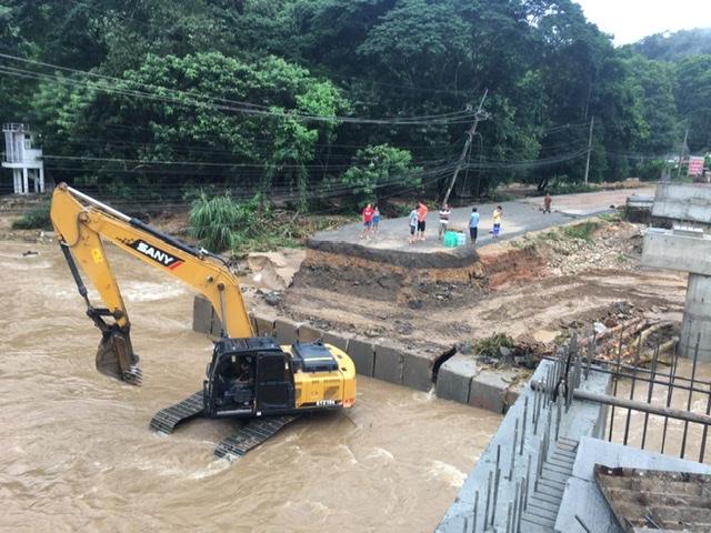 คาดตั้งสะพานเชื่อม ทล.118 เสร็จคืนนี้ พรุ่งนี้(5 ส.ค.) เปิดใช้ถนนเชื่อมเชียงใหม่-เชียงรายได้