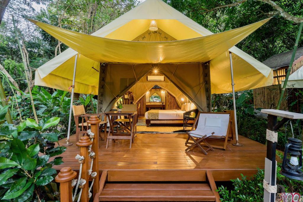 """เคทีซีผนึก เครือโรงแรมและรีสอร์ทเซเรนนาต้า และ TBAA จัดแคมเปญ """"ไทยเที่ยวไทย พักบูติกไทยสบายๆ กับเคทีซี"""""""