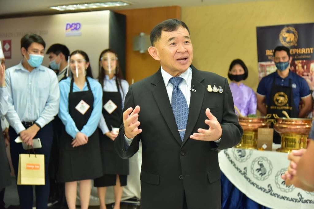 """""""วีรศักดิ์"""" สั่งลุยเพิ่มร้านอาหารติดตรา Thai SELECT ให้ได้ 2,000 แห่ง"""