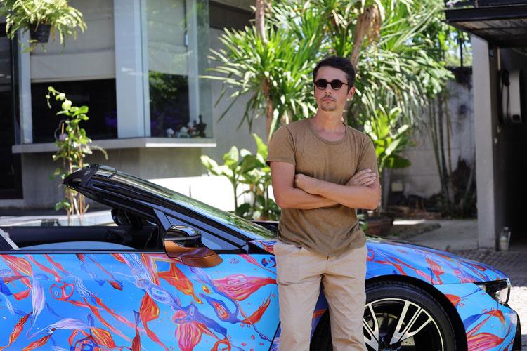 "BMW Unbound World of Art Series : ""วิกฤตขยะโลก"" บน BMW i8 Roadster โดย อันเดร โรบู"