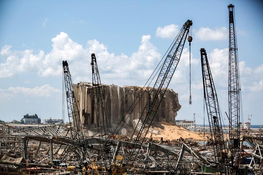 In Pics: บีบีซีรายงาน ยอดดับระเบิดเบรุตเกิน 200 ศพ ไฟไหม้ใกล้รัฐสภาระหว่างปะทะ  3 รมว.กระทรวงหลักตบเท้าลาออก ต่างชาติบริจาค 250 ล้านยูโร
