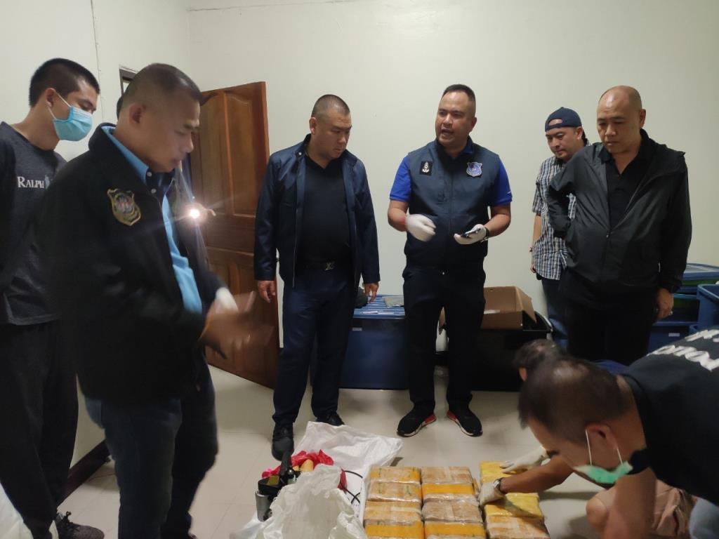 ตำรวจนำกำลังบุกจับยาเสพติดล็อตใหญ่ ที่บางบัวทอง นนทบุรี